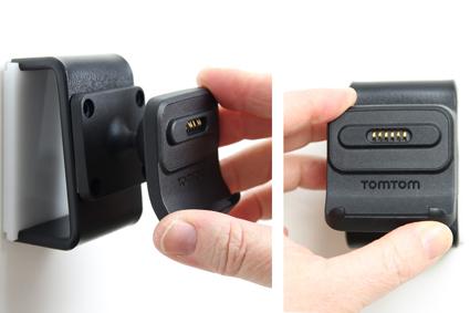 Inštalácia produktu Aktívny držiak pre GPS TomTom GO 520 New/5200/ 620/6200 Molex Krok 1.