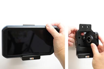 Inštalácia produktu Pasívny držiak pre GPS navigácie Garmin dezl 780, dezlCam 785. Krok 3.