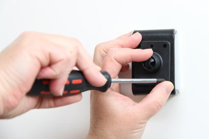 Inštalácia produktu Aktívny držiak pre Samsung Galaxy S7 Active. Krok 2.