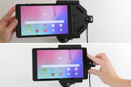 Inštalácia produktu Aktívny držiak do auta pre Samsung Galaxy Tab A 8.0 2019. Krok 3.