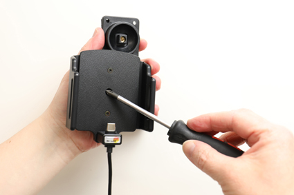 Inštalácia produktu Aktívny držiak pre Huawei Mate 10 Pro s Molex kon.. Krok 2.