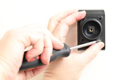 Inštalácia produktu Aktívny držiak pre Huawei P10 Plus USB+CL. Krok 2.