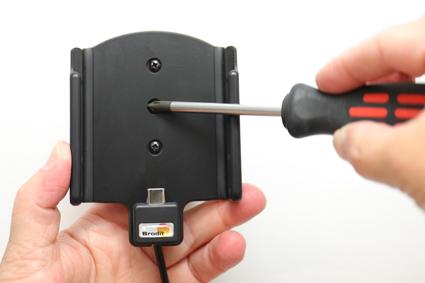 Inštalácia produktu Aktívny držiak pre Huawei P20 USB+CL. Krok 3.
