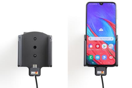 Inštalácia produktu Aktívny držiak pre Samsung Galaxy A40 A405 USB+CL. Krok 4.