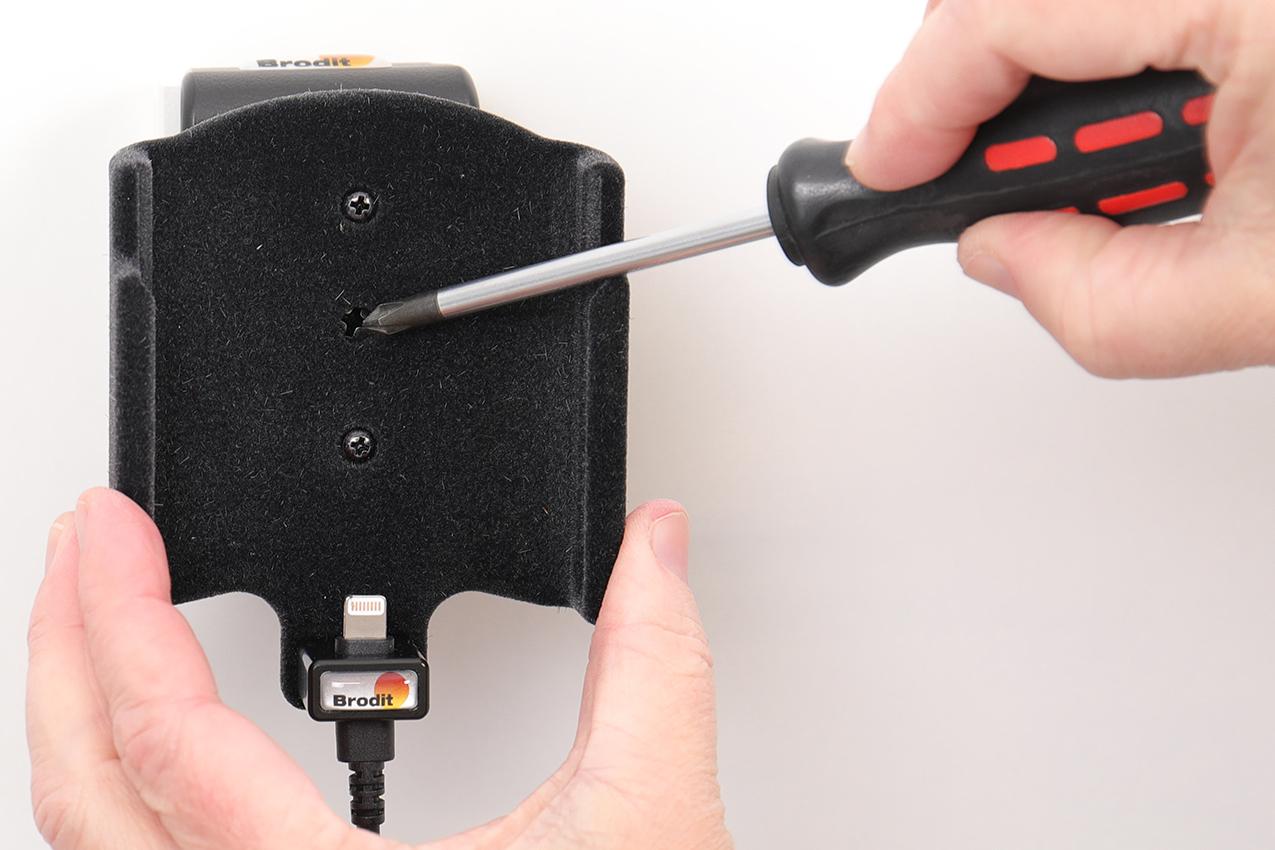 Inštalácia produktu Aktívny držiak pre Apple iPhone 11 Pro. Krok 3.