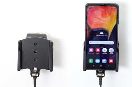 Inštalácia produktu Aktívny držiak pre Samsung Galaxy Xcover Pro G715 USB+CL Magnet. Krok 4.