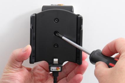 Inštalácia produktu Aktívny držiak pre Apple iPhone 12, iPhone 12 Pro. Krok 3.