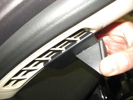 Inštalácia konzoly Proclip 804605 - Skoda Superb 09-15, vľavo. Krok 1.