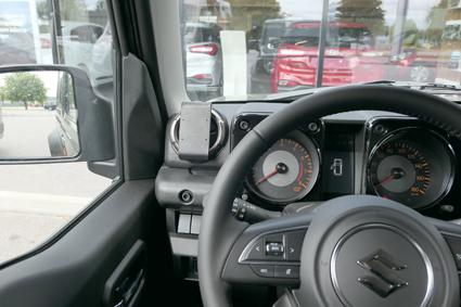 Inštalácia konzoly Proclip 805549 - Suzuki Jimny 19, vľavo. Krok 4.