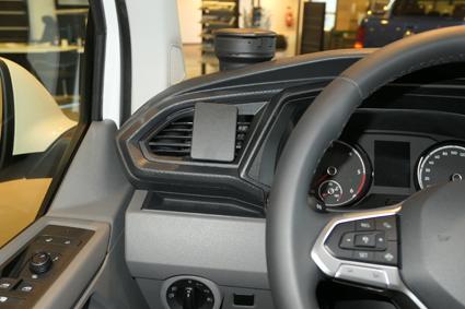 Inštalácia konzoly Proclip 805589 - Volkswagen T6.1 20, vľavo. Krok 4.