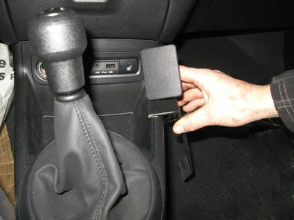 Inštalácia konzoly Proclip 834289 - Hyundai i20 09-14, konzola. Krok 1.