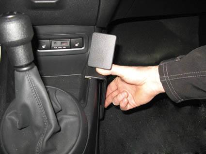 Inštalácia konzoly Proclip 834289 - Hyundai i20 09-14, konzola. Krok 2.