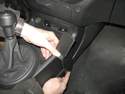 Inštalácia konzoly Proclip 834289 - Hyundai i20 09-14, konzola. Krok 3.