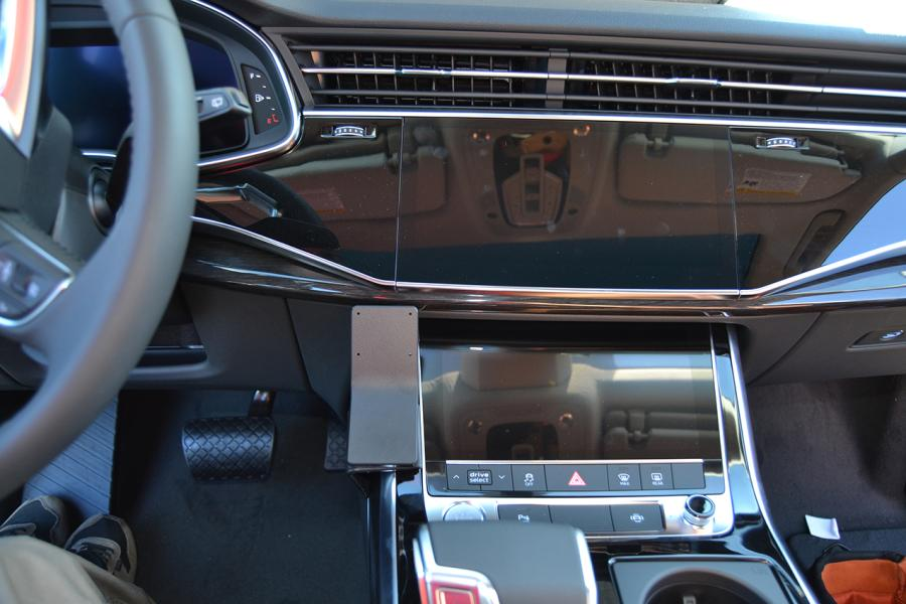 Inštalácia konzoly Proclip 835630 - Audi Q7 20-21, konzola. Krok 4.