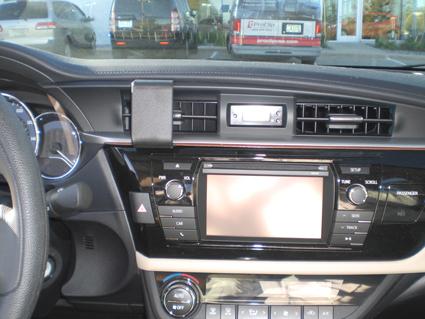 Inštalácia konzoly Proclip 854955 - Toyota Corolla 14-15, stred. Krok 4.