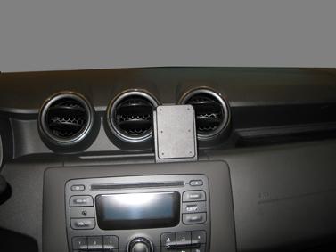Inštalácia konzoly Proclip 855395 - Dacia Duster 18-20, stred. Krok 3.