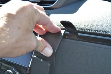 Inštalácia konzoly Proclip 855541 - Honda CR-V 17-20, stred, vpravo. Krok 3.