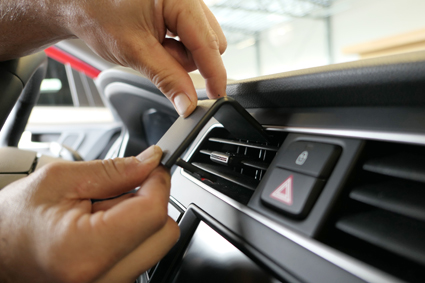Inštalácia konzoly Proclip 855551 - Hyundai i20 19-20, stred. Krok 1.