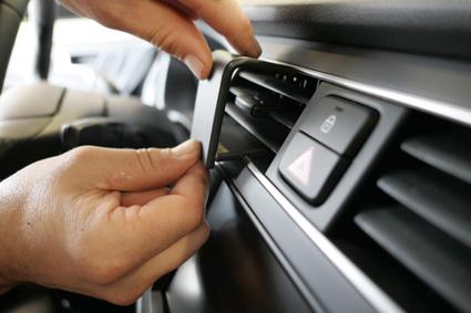 Inštalácia konzoly Proclip 855551 - Hyundai i20 19-20, stred. Krok 3.