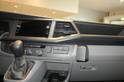 Inštalácia konzoly Proclip 855588 - Volkswagen T6.1 20, stred,vpravo. Krok 4.