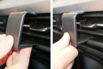 Inštalácia konzoly Proclip 855620 - Volkswagen Golf MK8 20, stred. Krok 2.