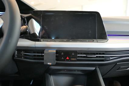 Inštalácia konzoly Proclip 855620 - Volkswagen Golf MK8 20, stred. Krok 3.