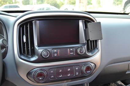Inštalácia konzoly Proclip 855634 - Chevrolet Colorado 15-21, stred,vpravo. Krok 4.