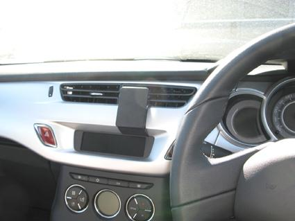 ProClip NOT for models with navigation screen  Citroen C3