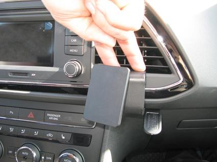 854890 3 phone holders page 3 seat cupra net seat forum seat leon mk3 fuse box at soozxer.org